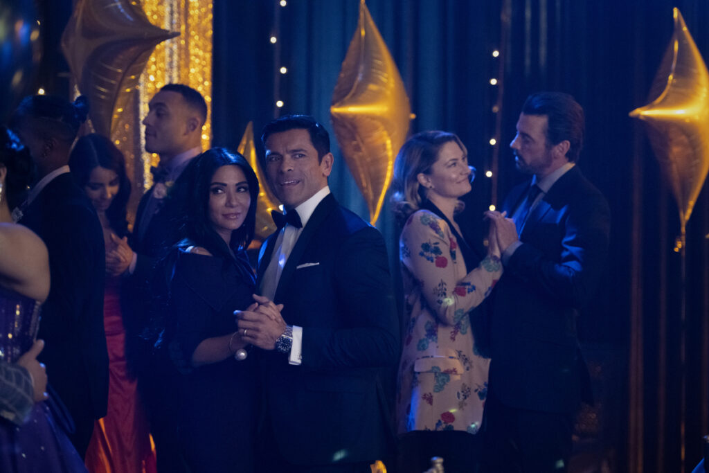 Riverdale's favorite super-villain Hiram Lodge, may not be quite so sinister after all. Well, in his mind anyway. Mark Consuelos has been thrilling fans with the complex role of the power-hungry father of Veronica Lodge (Camila Mendes) on The CW's hit drama Riverdale, and he's sharing more on what makes Hiram tick.